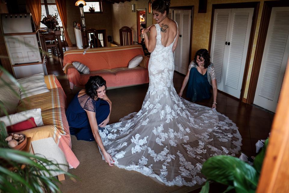 Primiza la nostra collezione di abiti da sposa