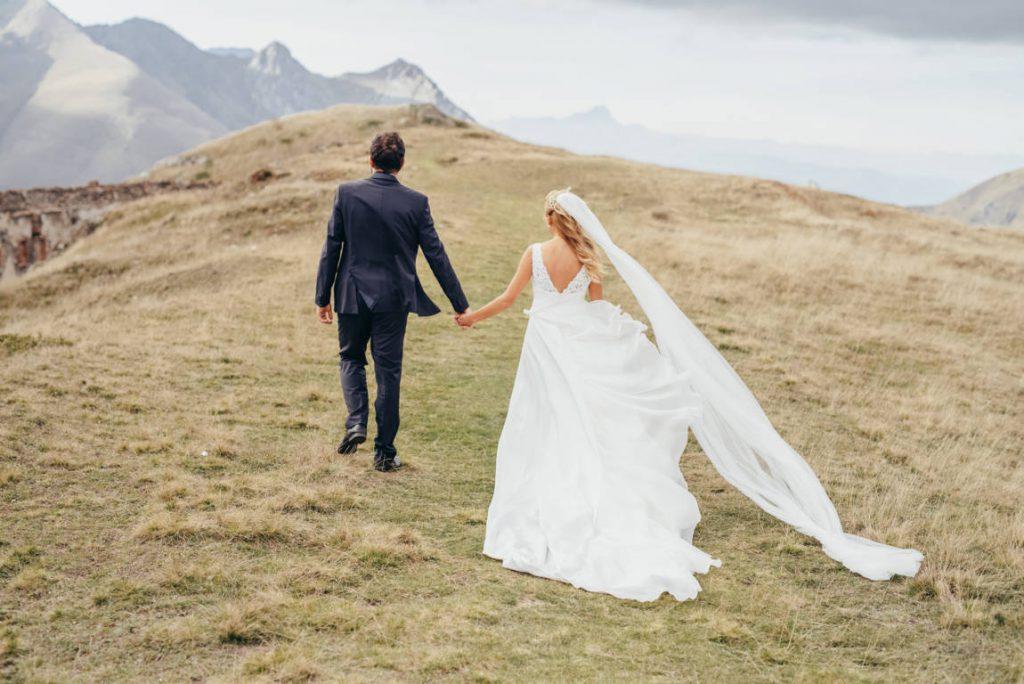 Abiti da sposa cuciti a mano sartoriali
