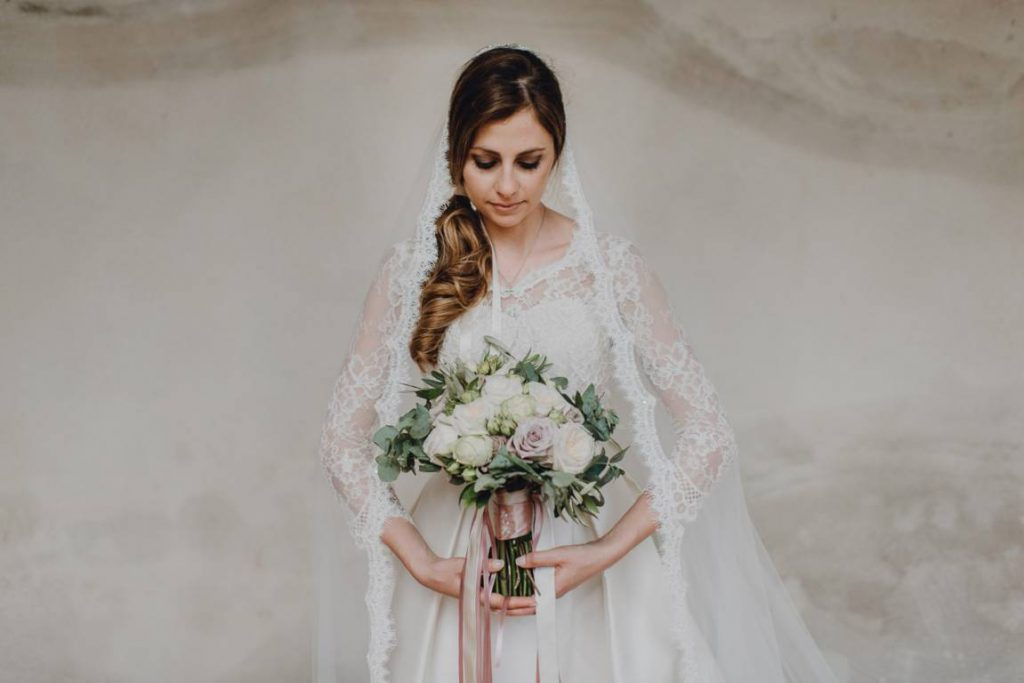 Primizia abiti da sposa a Cuneo e Mondovì - L'abito da sposa su misura